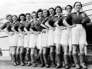 Edinburgh Dynamos – a women's football team from the 1950s