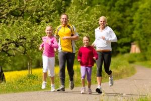 thinkstock photo_running family 14_07_14 (2)